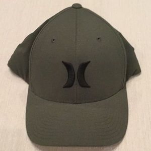 Hurley fitted Hat Olive Green